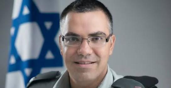 La singular guerra del Mayor Avihai Adraí, el Portavoz de las Fuerzas de Defensa de Israel en árabe.