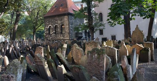 Drones cuidarán cementerios judíos