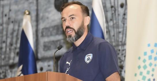 Hablando en la casa del presidente, Bibars Natcho, capitán del seleccionado israelí de fútbol