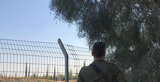 El oficial israelí, Capitán S. que fue el primero en hablar con los niños palestinos enviados por Hamas a cruzar a Israel desde Gaza el sábado 30 de marzo