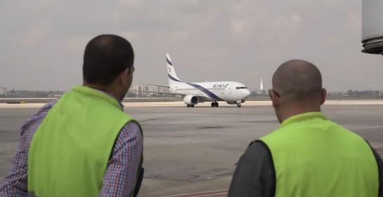 Avión con cuerpo del soldado desaparecido Zejaria Baumel aterrizó en Israel