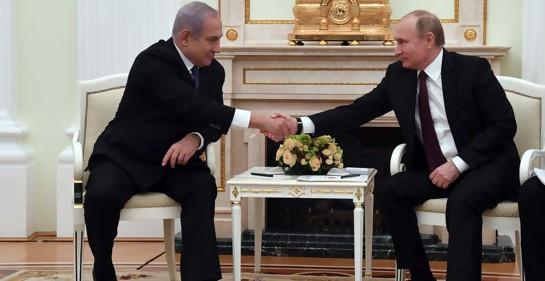 El Presidente de Rusia Vladimir Putin y el Premier israelí Biniamin Netanyahu en una reunión en el Kremlin (foto: Haim Zach, GPO)
