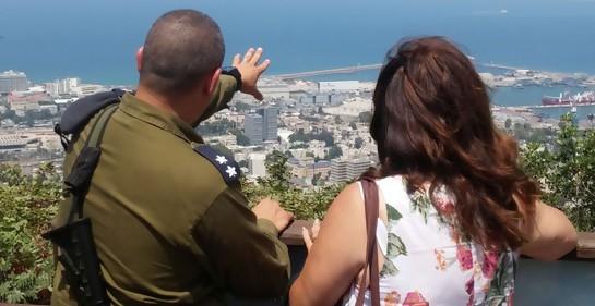 Entrevistando al Tte.Cnel Guilad Malka, jefe del batallón norte del sistema de defensa anti aérea Yahalom emplazado en Haifa.