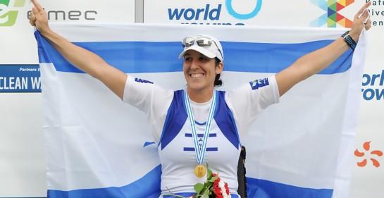 Moran Samuel, campeona mundial de remo para lisiados, en campeonato en Polonia (Foto: Datlav Saiev)