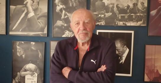 El fallecido fotógrafo israelí David Rubinger en su casa en Jerusalem