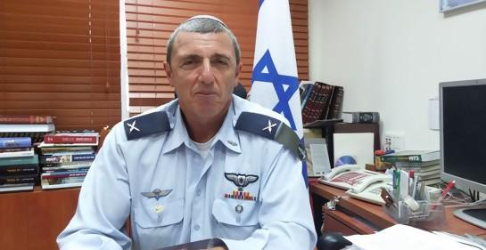 Rabino Rafi Peretz cuando era Rabino jefe del ejército israelí