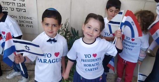 Niños israelíes dan la bienvenida al ex Presidente Cartes en WIZO