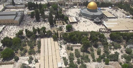 Video: Decenas de miles de musulmanes celebran libremente Ramadan en Jerusalem