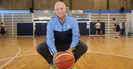 Edgardo Kogan, DT de Uruguay en basquetbol,  persiguiendo sueños