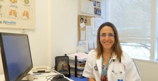 La Dra Malena Cohen-Cymberknoh en su oficina