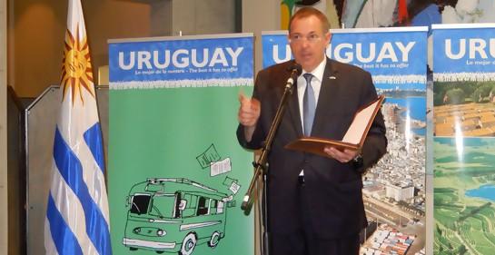 El Embajador de Uruguay Bernardo Greiver