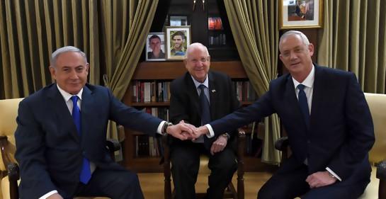 Netanyahu, Rivlin y Gantz en Beit HaNasí (Foto Haim Zach, GPO)