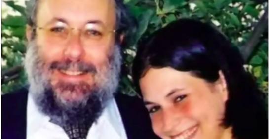 El Dr. David Applebaum y su hija Nava, de bendita memoria