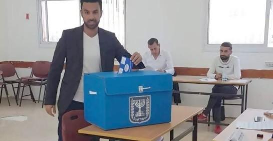 Yoseph votando, en Nazaret
