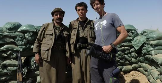 Itay con combatientes kurdos