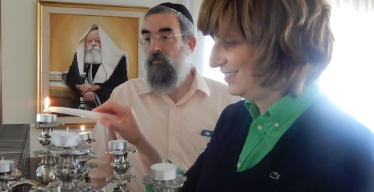 Roji y Eliezer Shemtov antes de Shabat