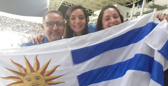 Juan Lucas, Ornella y Samantha Pezzino en el estadio