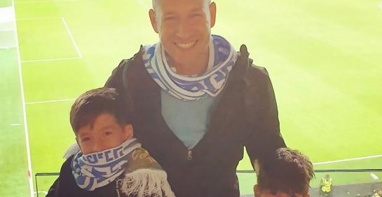 Shay Pozmantir con sus hijos Shajar y Sagi