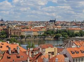 Praga devuelve partes de lápidas judías utilizadas como adoquines