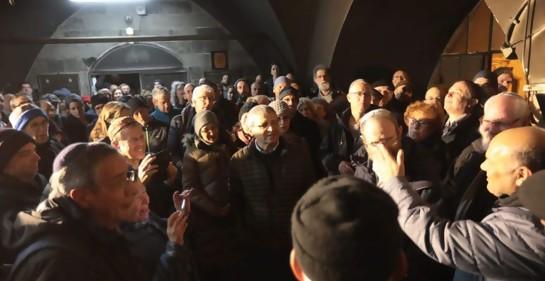 La mezquita repleta de judíos. (Foto: Yosi Zamir, Tag Meir)