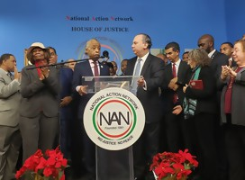 El Rav Schneier con el Rev Sharpton (Foto: Foundation for Ethnic Understanding)