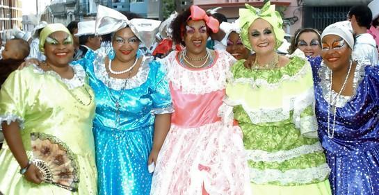 La pasión carnavalesca de Anita Wajner, Mama Vieja blanca y judía