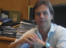 Hoy quiero recordar mi primera entrevista a Luis Lacalle Pou, hasta con las fotos de entonces