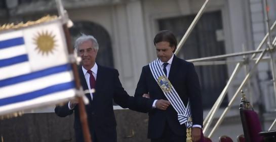 El Presidente saliente Tabaré Vázquez, del brazo de su sucesor Luis Lacalle Pou (Foto: Twitter)
