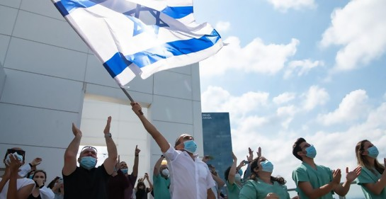 Mira el homenaje de la Fuerza Aérea de Israel a los equipos médicos, en Iom Haatzmaut