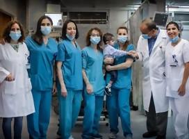 El milagro del pequeño Hamza, un niño palestino salvado en un hospital israelí