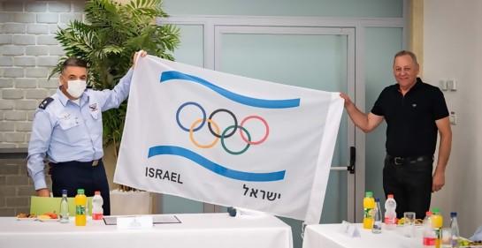 Un gesto especial de la Fuerza Aérea de Israel, antes de volar a Alemania