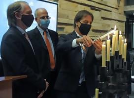 Presidente Lacalle Pou y autoridades nacionales participaron en el 82.° aniversario de la Noche de los Cristales Rotos