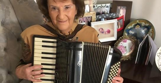 Ester Grinberg de Segal: la historia de la niña del acordeón