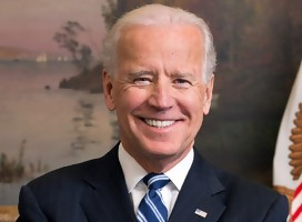 https://commons.wikimedia.org/wiki/File:Joe_Biden_official_portrait_2013_cropped.jpg#/media/Archivo:Joe_Biden_official_portrait_2013_cropped.jpg