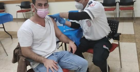 Desde hoy, se vacuna en Israel desde los 16 años