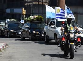En imágenes, el adiós a Andrés Abt por las calles de Montevideo