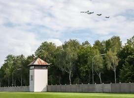 Así fue el homenaje aéreo sobre Dachau y Munich