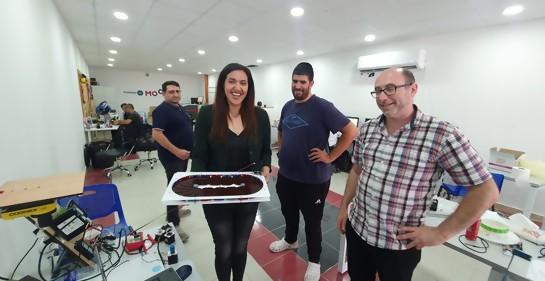Adolescentes judíos y árabes aprenden tecnología juntos