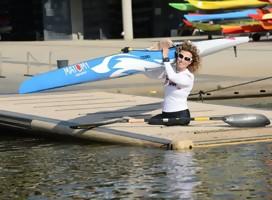 Les presento a la israelí de mayor edad que compite en kayak paralímpico