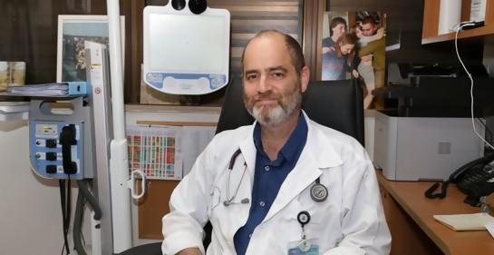 El optimismo y la advertencia del médico israelí que ya quisiera recibir la tercera dosis